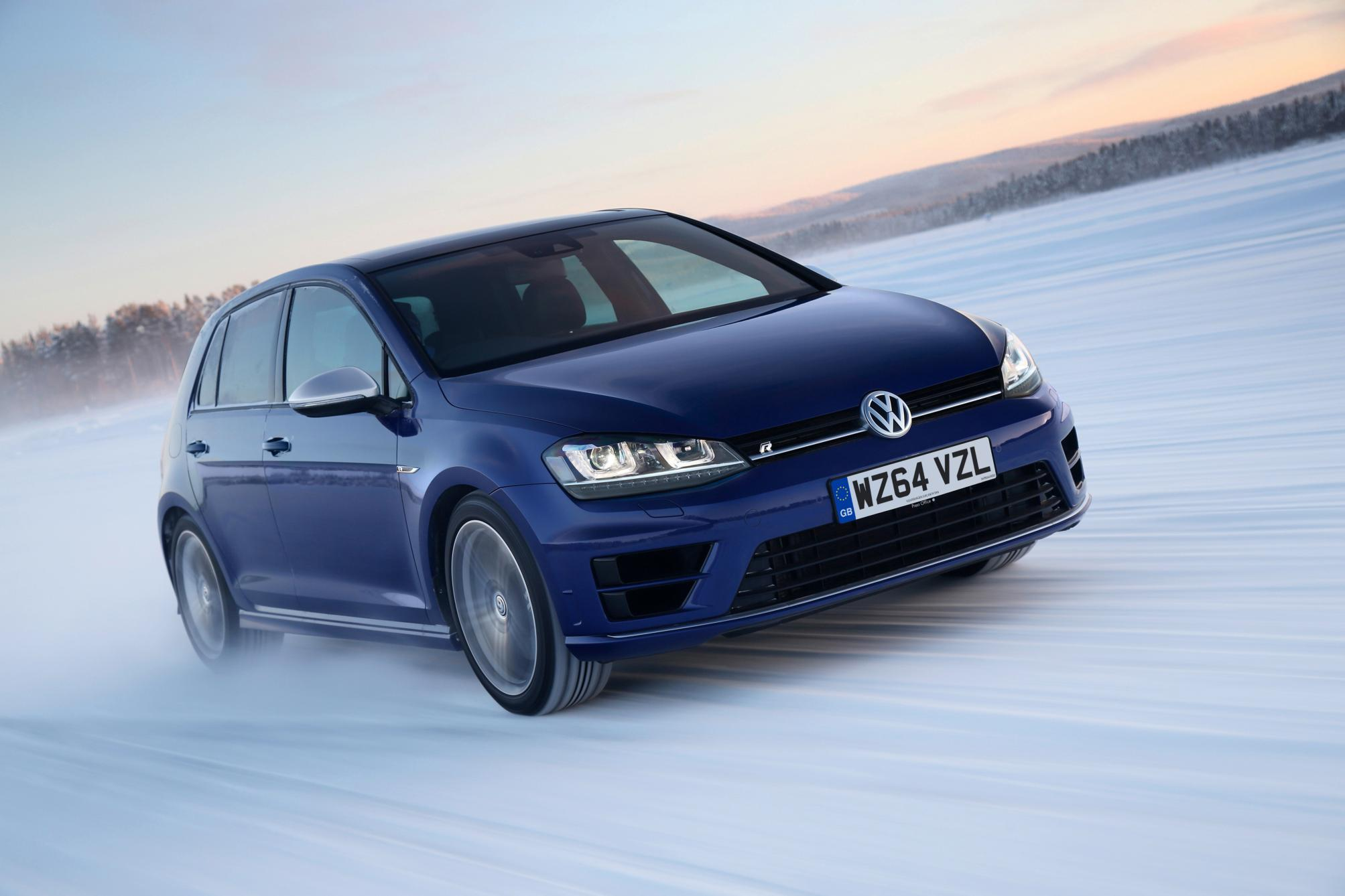volkswagen golf r changing lanes. Black Bedroom Furniture Sets. Home Design Ideas