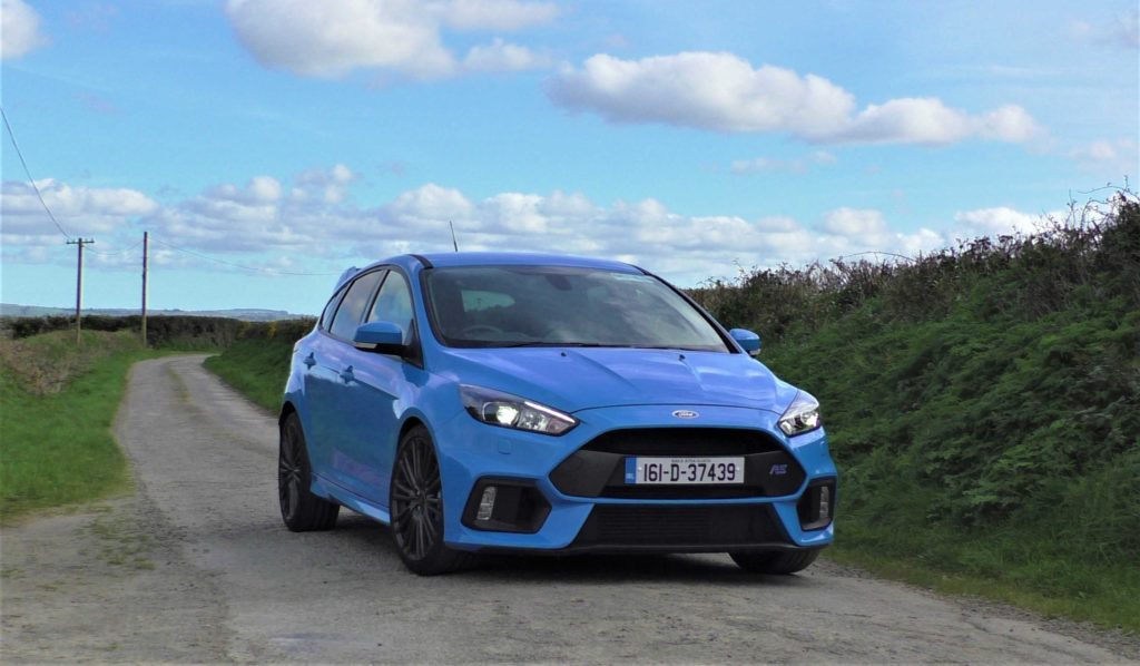 The 2016 Ford Focus RS on test for Changing Lanes!
