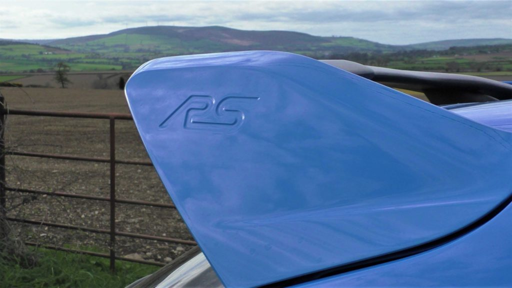 Embossed wing of the Ford Focus RS Mk3