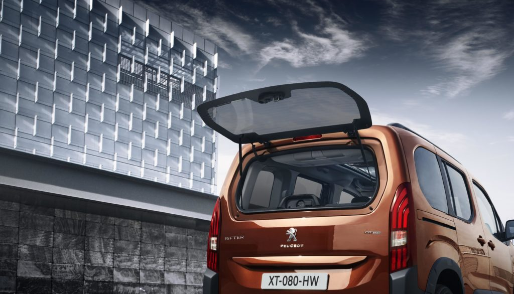The Peugeot Rifter has many practical features including the rear tailgate window