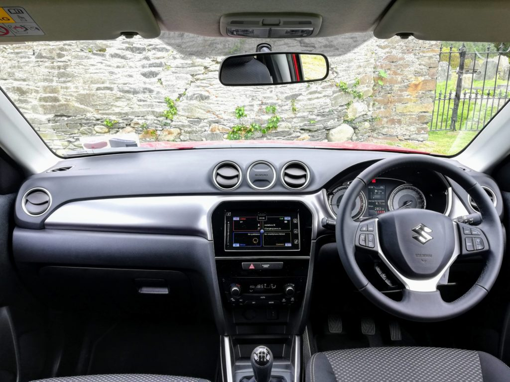 The interior of the 2019 Suzuki Vitara