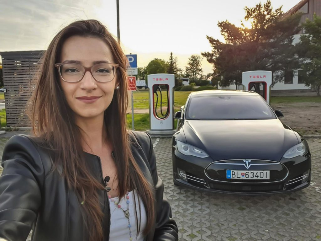 Elizabeta is a technology journalist in Slovakia. Here she is with the Tesla Model S