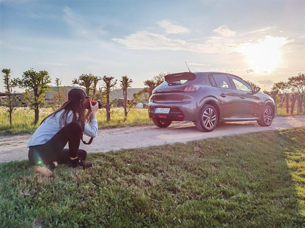 Elizabeta shooting the Peugeot 208