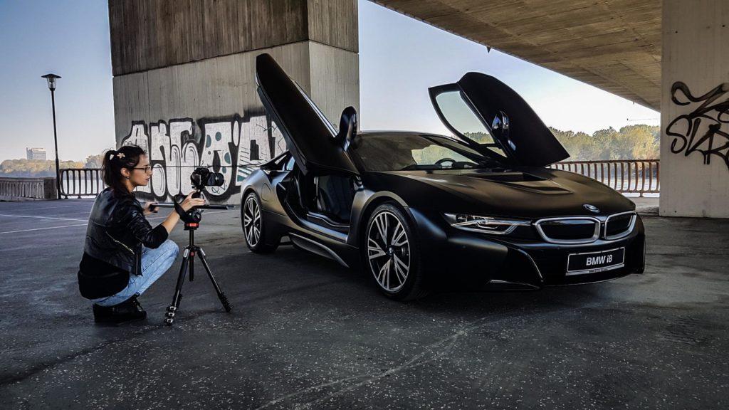 Elizabeta and the BMW i8