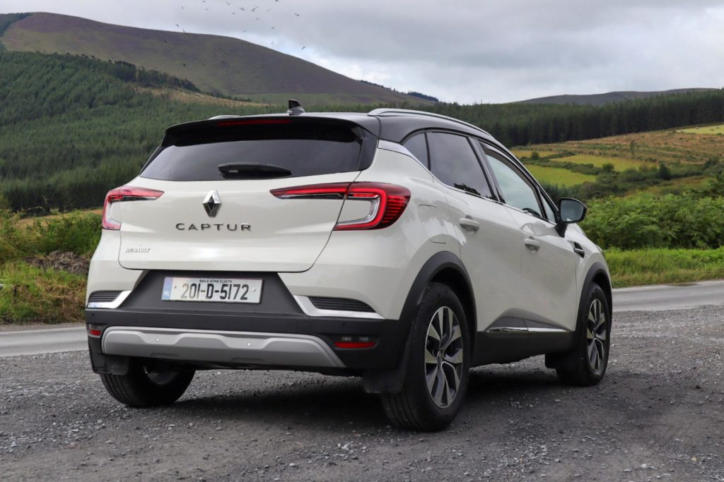 The new Captur is available in three trim levels with petrol and diesel engines