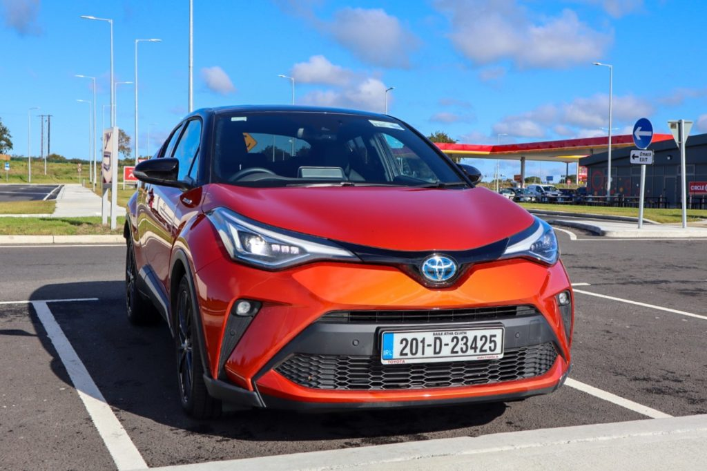 The 2020 Toyota C-HR on test for Changing Lanes!