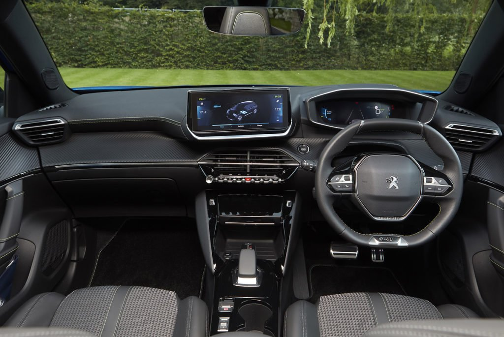 Inside the new Peugeot e-2008