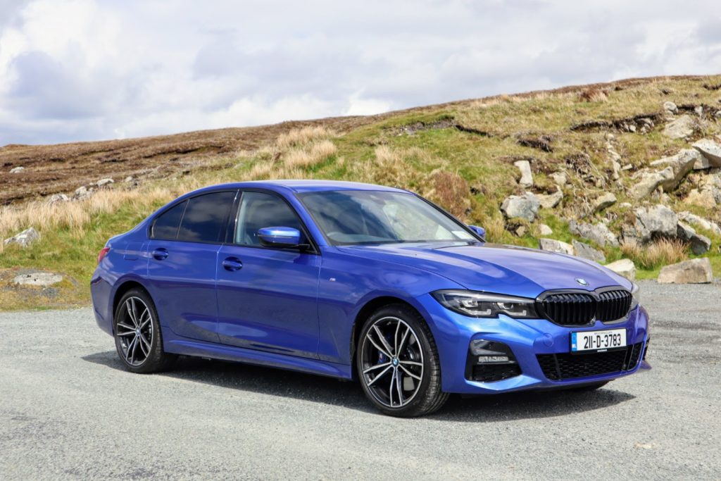 The new BMW 330e on test for Changing Lanes!