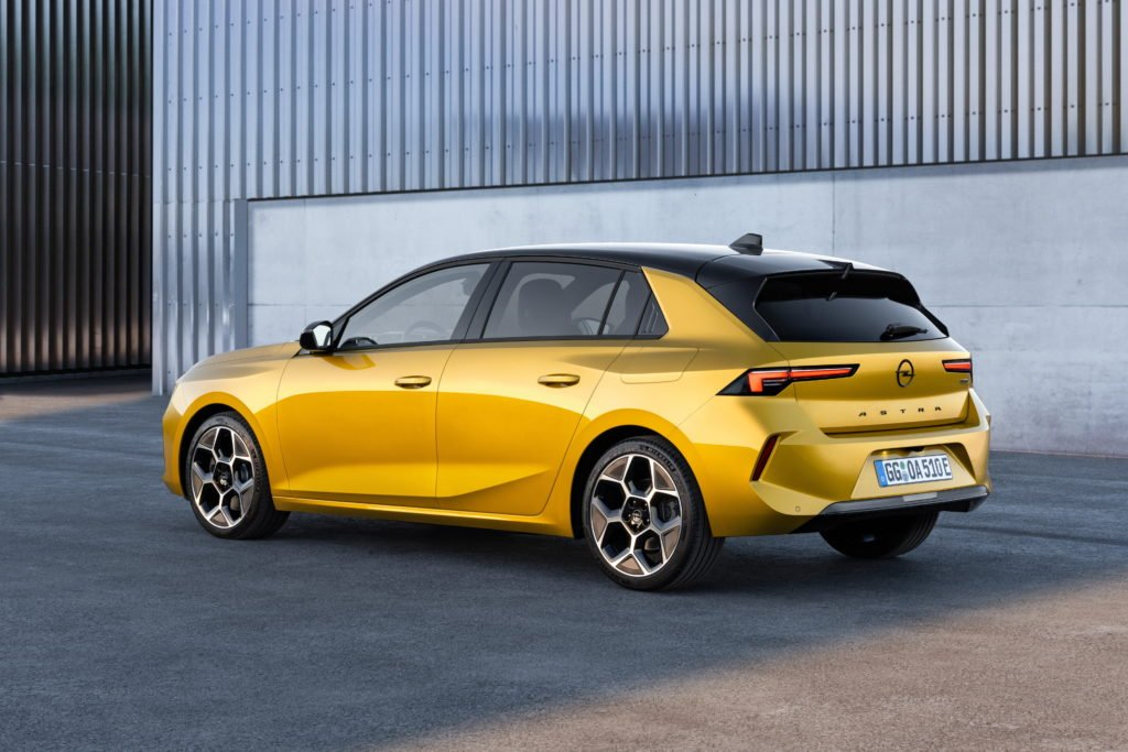 New Astra will debut plug-in hybrid for the first time