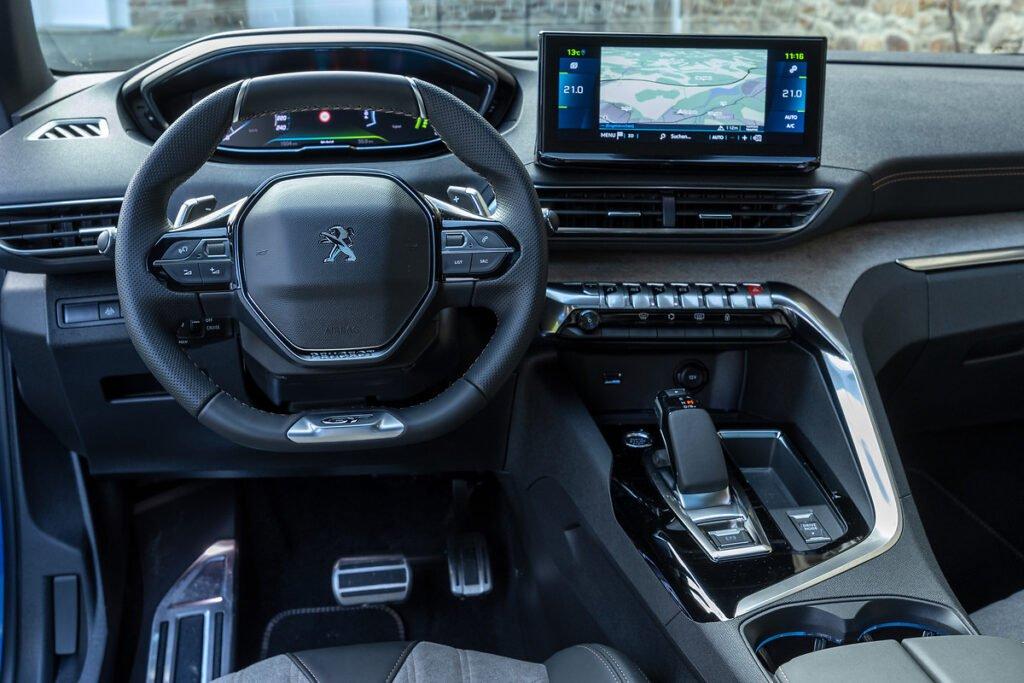 Inside the 2021 Peugeot 3008