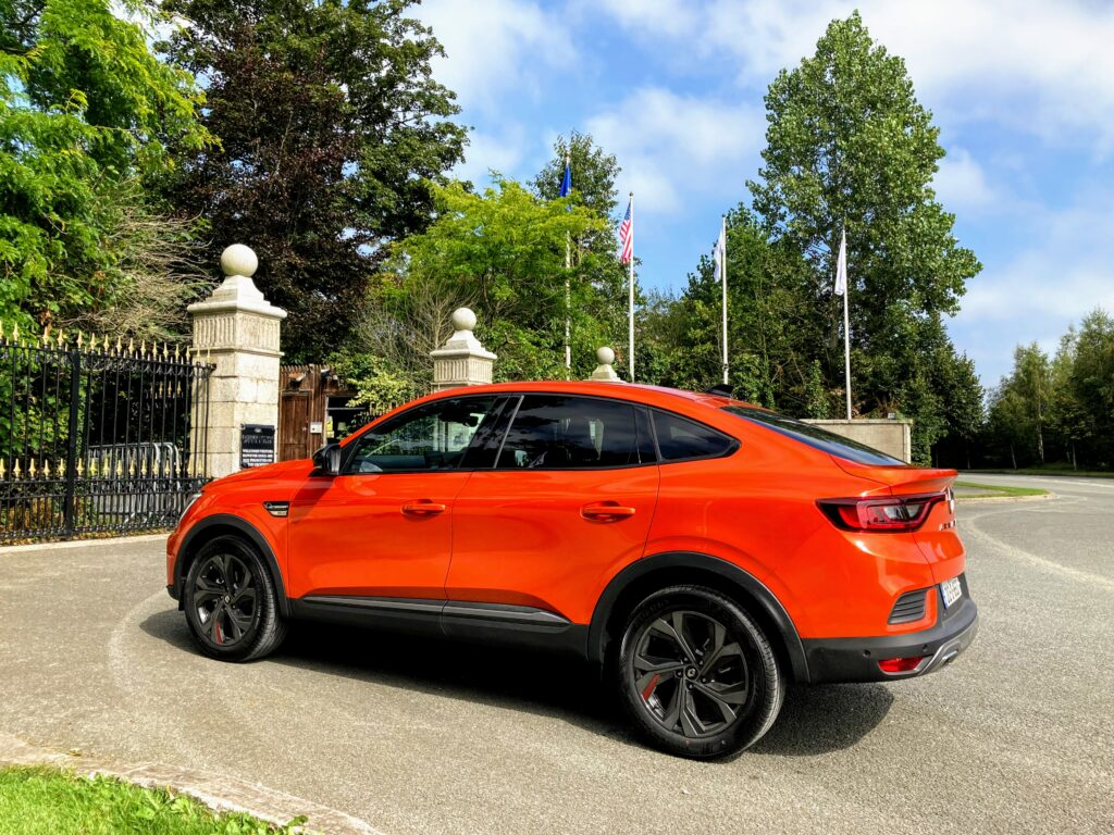 SUV coupé style from Renault with the new Arkana